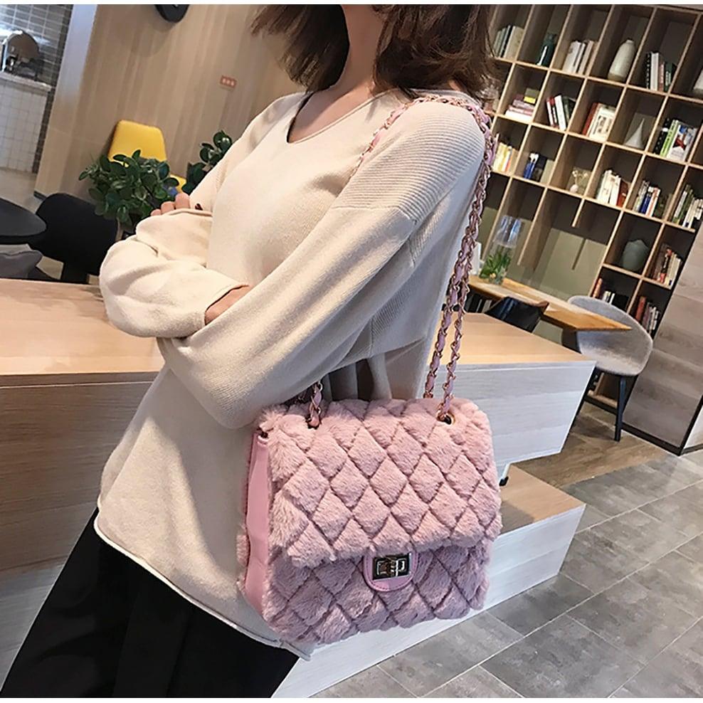 ff07727f941 Shop QZUnique Women s Faux Fur Envelope Shoulder Bag Crossbody Purse Fluffy  Handbag - On Sale - Free Shipping On Orders Over  45 - Overstock - 26880602