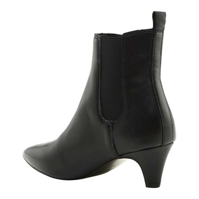b87563b19 Shop Kendall & Kylie Women's Pierce Ankle Bootie Black Leather - On Sale -  Free Shipping Today - Overstock - 25559449