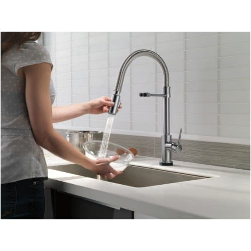 Delta 9659T-DST Trinsic Pro Pre-Rinse Pull-Down Kitchen Faucet with ...
