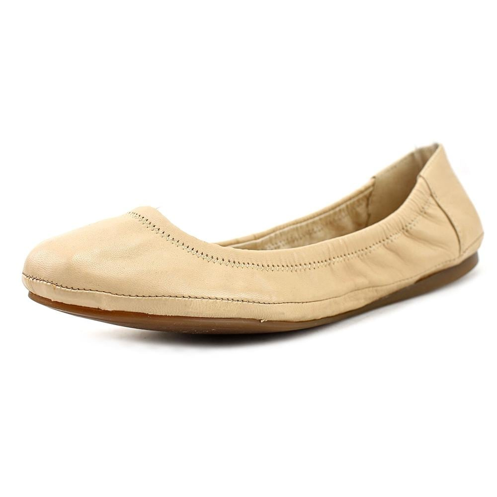 00dd09c866f Shop Vince Camuto Ellen Round Toe Leather Ballet Flats - Ships To Canada -  Overstock.ca - 16355010