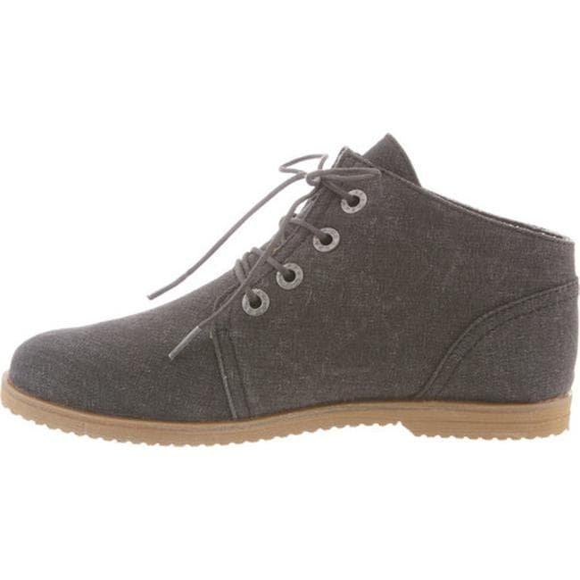 5feb3a728ac9be Shop Bearpaw Women s Claire Desert Boot Black Canvas - Free Shipping On  Orders Over  45 - Overstock - 14589635
