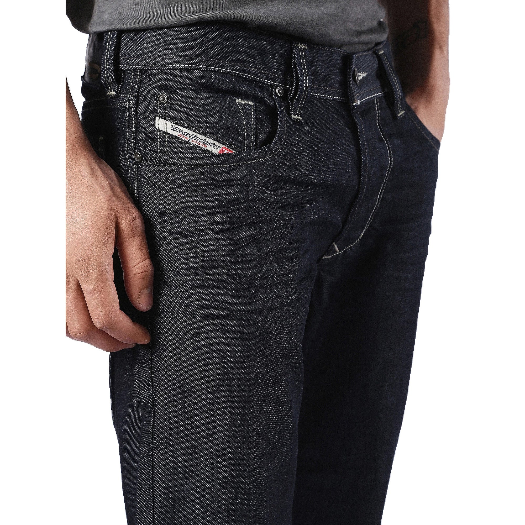 eb7addd5 Shop Diesel Men's Larkee Relaxed Regular Straight-Leg Denim Jean 0088Z -  Free Shipping Today - Overstock - 13548692