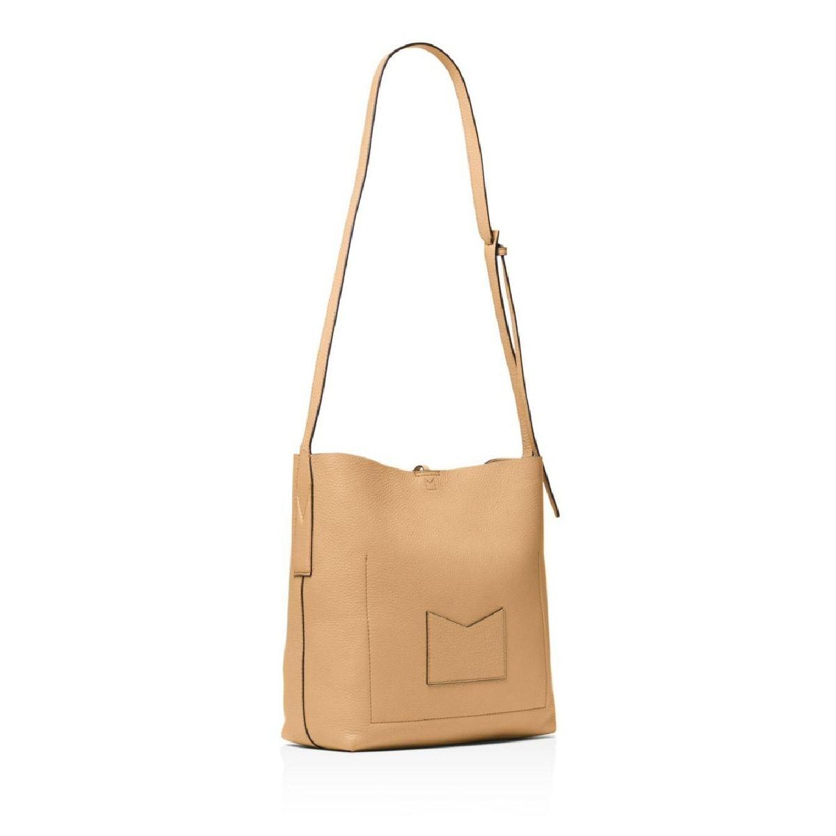 bb2e52e00c11 Shop MICHAEL Michael Kors Junie Large Pebble Leather Messenger Bag Butternut  - Free Shipping Today - Overstock - 28040712