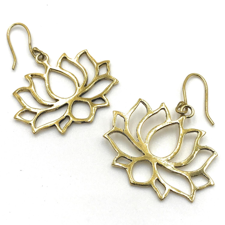 f90d2306b00987 Shop Handmade Lotus Filigree Earrings for Women, Gold - Free Shipping On  Orders Over $45 - Overstock - 25737506