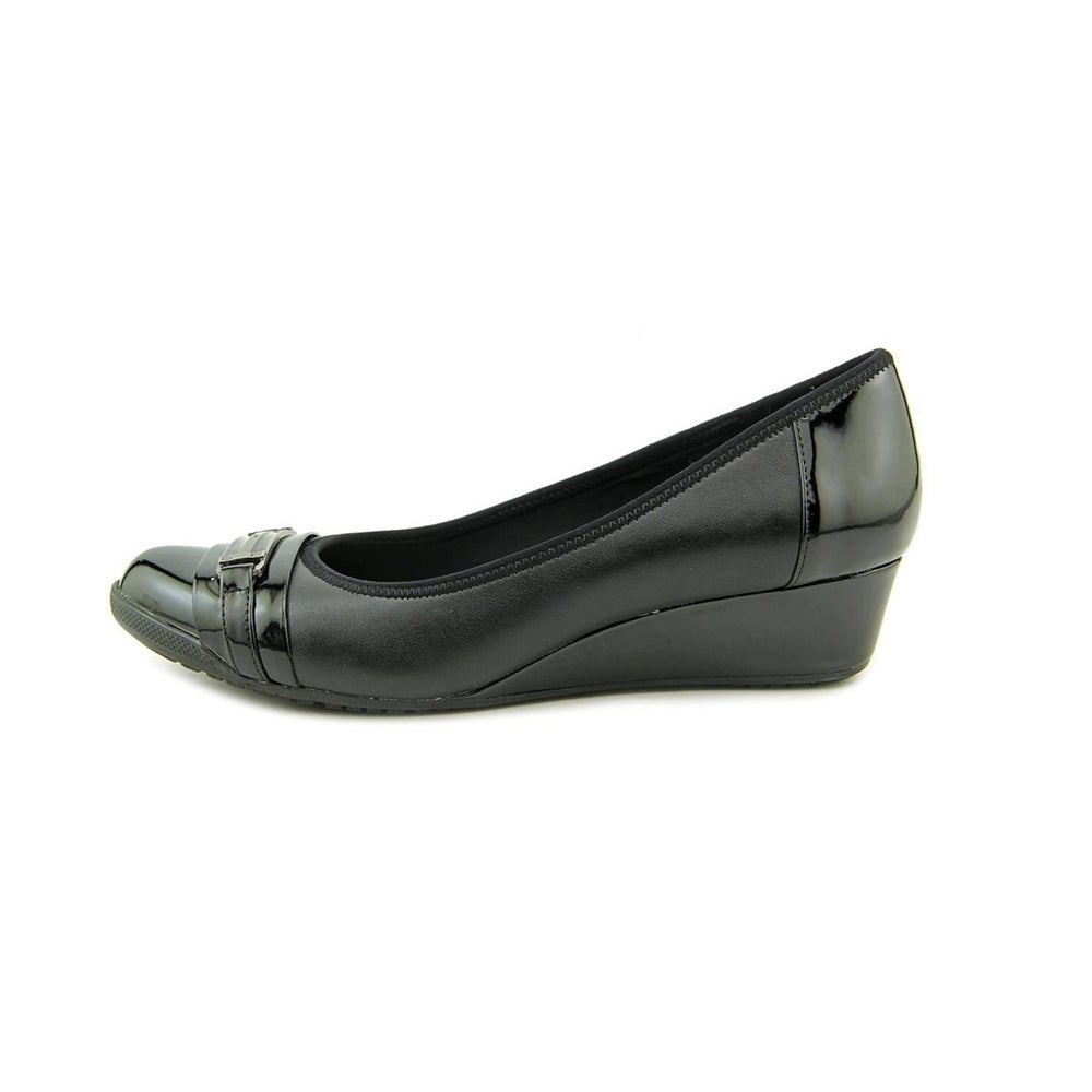 16db10b596b1 Shop Anne Klein Womens Carvallo Closed Toe Casual Slide Sandals - 9 - Free  Shipping Today - Overstock.com - 22342496