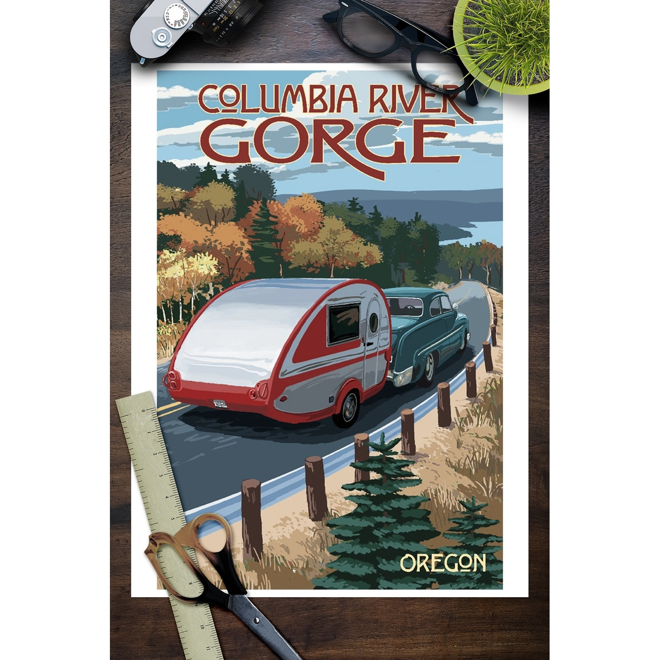 Columbia River Gorge - Retro Camper on Road - Lantern Press Artwork (Art  Print - Multiple Sizes Available) - 9 x 12 Art Print
