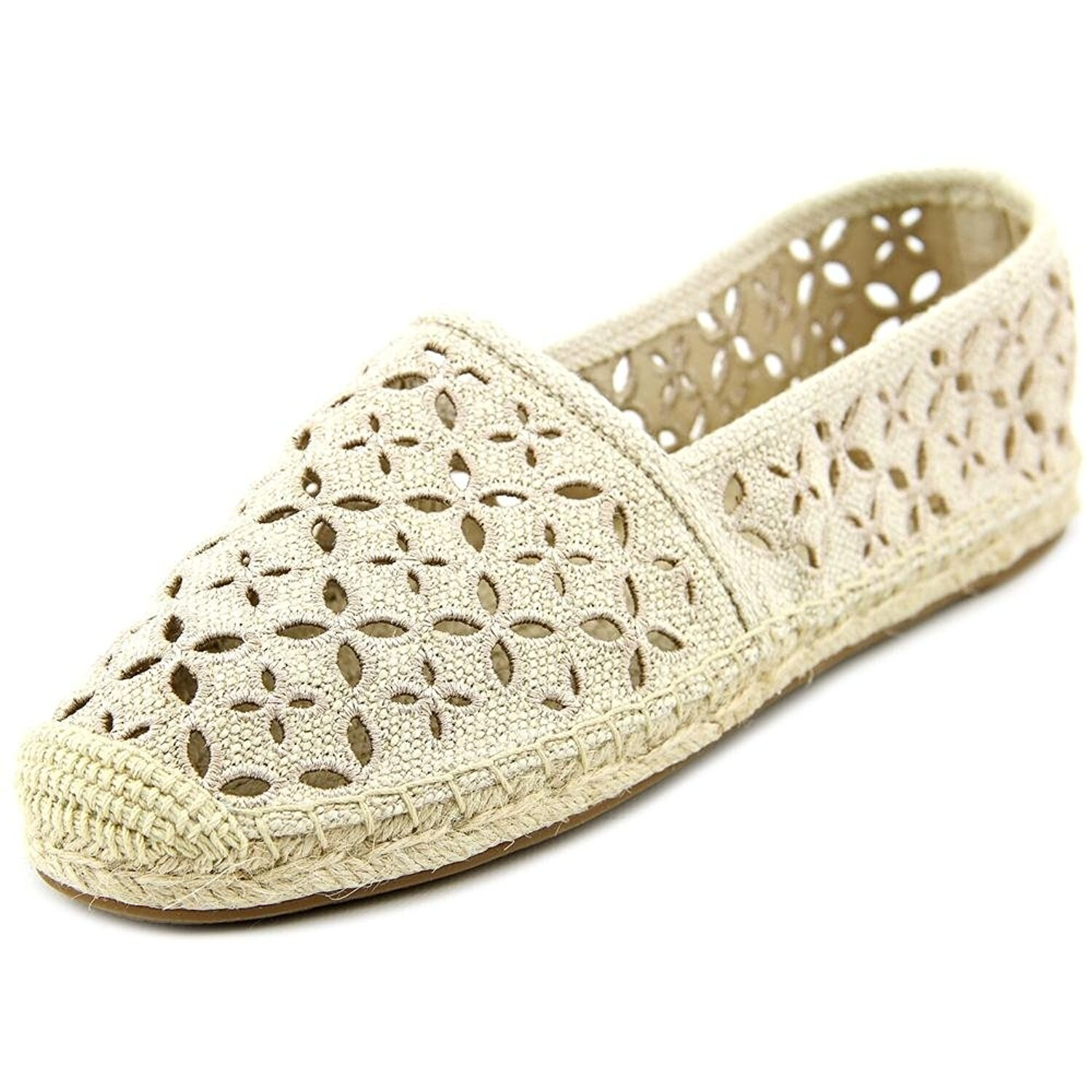 9850a9021e7 MICHAEL Michael Kors Womens Darci Closed Toe Casual Espadrille Sandals