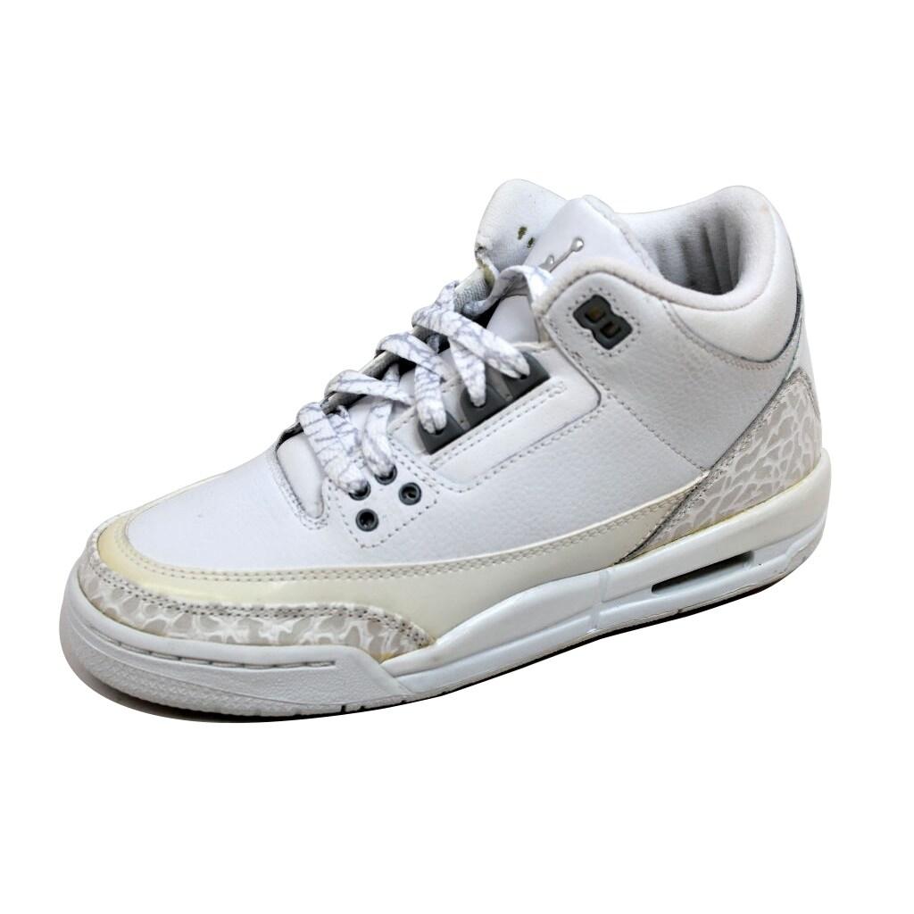 92311898ca3d2b Shop Nike Grade-School Air Jordan III 3 Retro White Metallic Silver Pure  Money 834014-103 Size 4.5Y - Free Shipping Today - Overstock - 20129967
