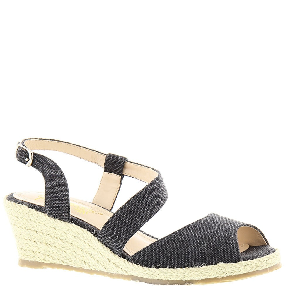 a0e04ac6561 Shop Beacon Womens Bonita Closed Toe Casual Platform Sandals - Free  Shipping On Orders Over  45 - Overstock - 22378017