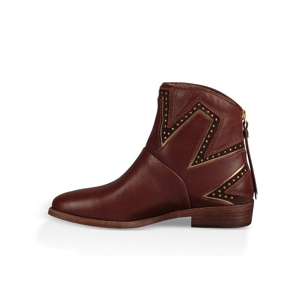 10be5e33bf4 Ugg Womens Lars Almond Toe Ankle Fashion Boots