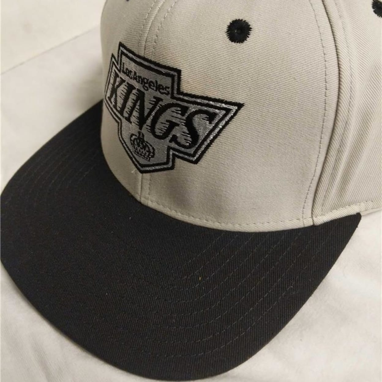 ddee3474 Shop Los Angeles Kings Mens Size Osfa Snapback Flatbrim Vintage Hat - On  Sale - Free Shipping On Orders Over $45 - Overstock - 23071100
