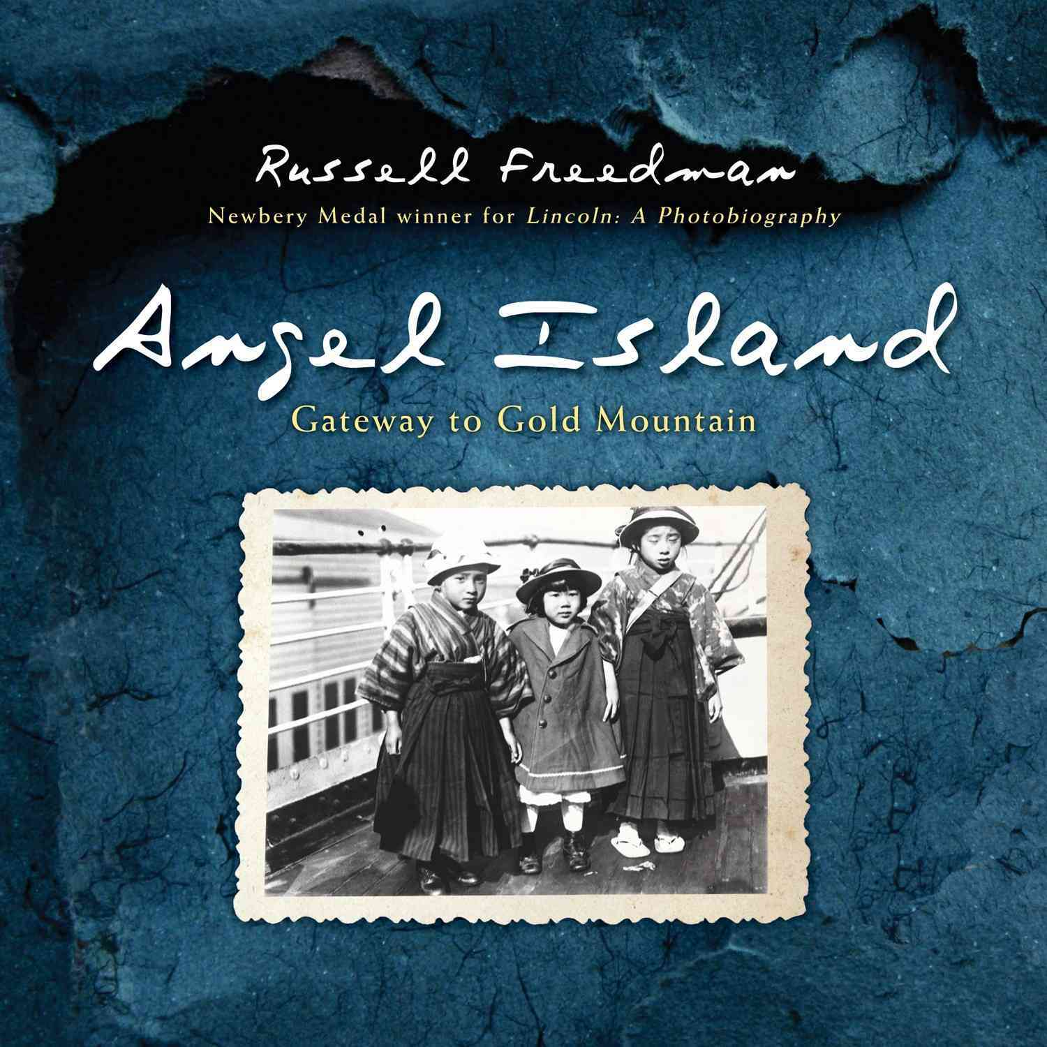 Angel Island: Gateway to Gold Mountain (Hardcover)