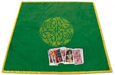 Celtic Labyrinth Velvet Tarot Cloth (Paperback)