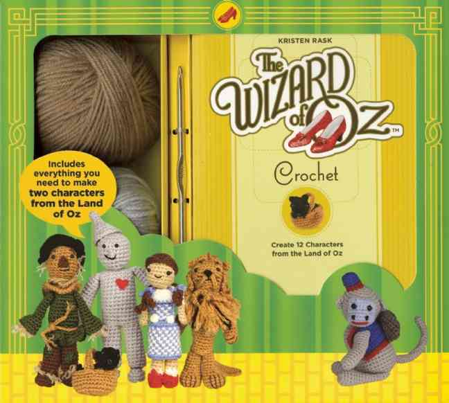 The Wizard of Oz Crochet: Create 12 Characters from the Land of Oz (Paperback)