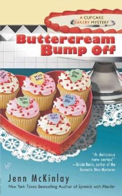 Buttercream Bump Off (Paperback)