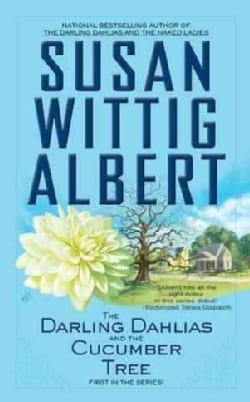 The Darling Dahlias and the Cucumber Tree (Paperback)