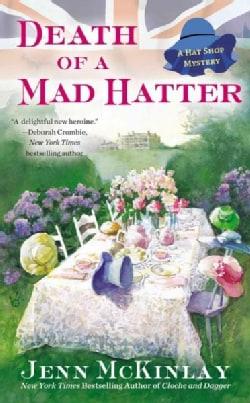 Death of a Mad Hatter (Paperback)