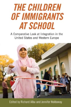 The Children of Immigrants at School: A Comparative Look at Integration in the United States and Western Europe (Paperback)