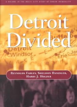 Detroit Divided (Paperback)