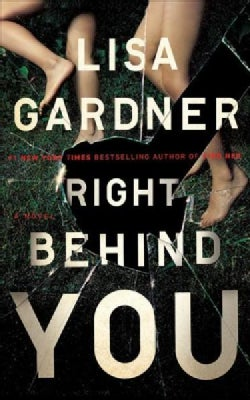 Right Behind You (CD-Audio)