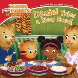 Daniel Tries a New Food (Paperback)