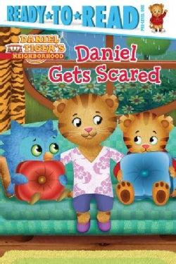 Daniel Gets Scared (Paperback)
