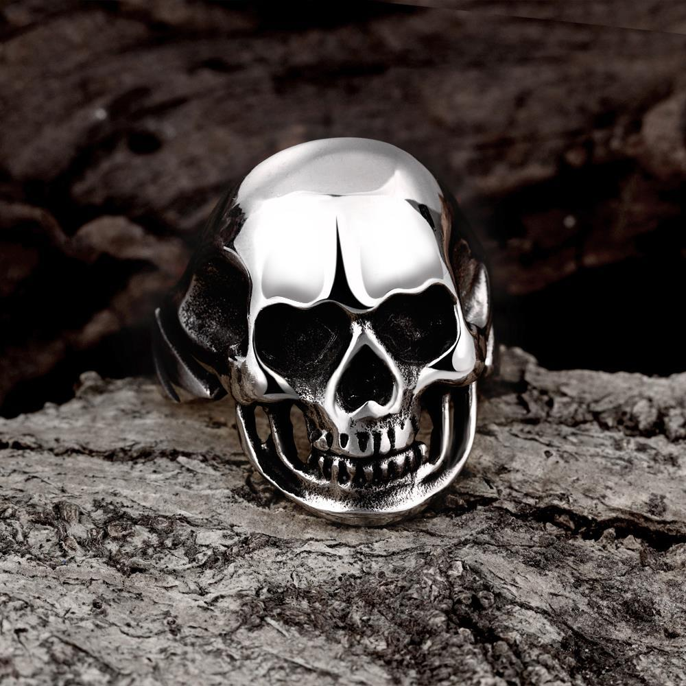 Vienna Jewelry Stainless Steel Medium Shaped Skull Ring