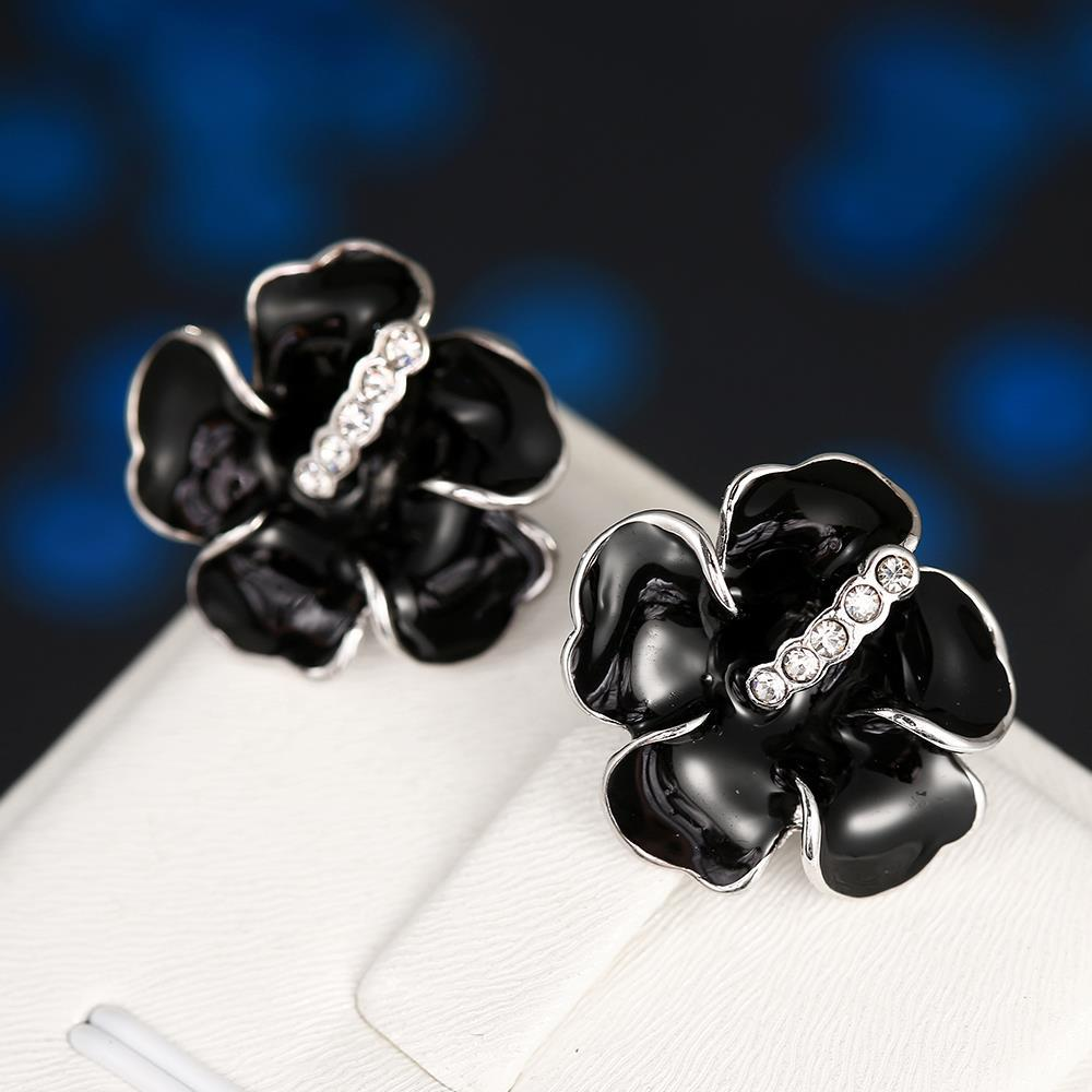 Vienna Jewelry 18K White Gold Floral Onyx Stud Earrings Made with Swarovksi Elements