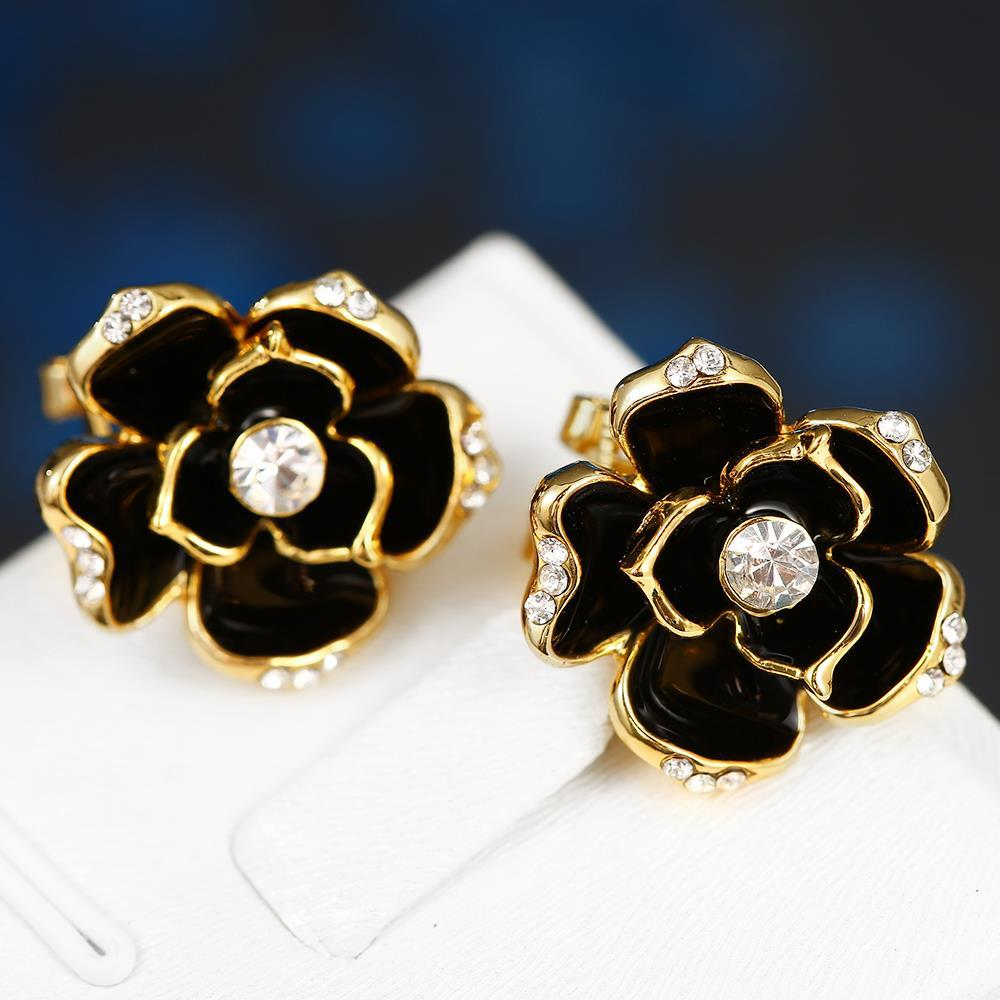 Vienna Jewelry 18K Gold Floral Petal Stud Earrings Made with Swarovksi Elements