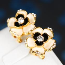 Vienna Jewelry 18K Gold Floral Onyx Stud Earrings Made with Swarovksi Elements - Thumbnail 0