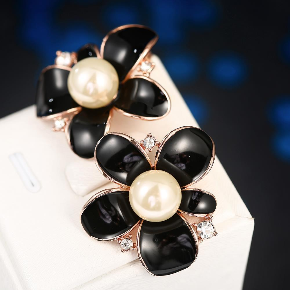 Vienna Jewelry 18K Rose Gold Onyx Floral Petal with Peral Centerpiece Made with Swarovksi Elements