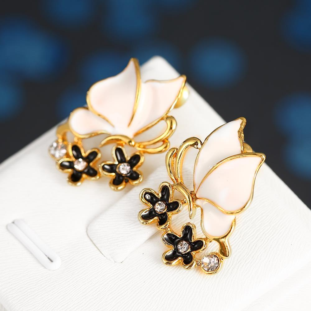 Vienna Jewelry 18K Gold Ivory Wings Stud Earrings Made with Swarovksi Elements