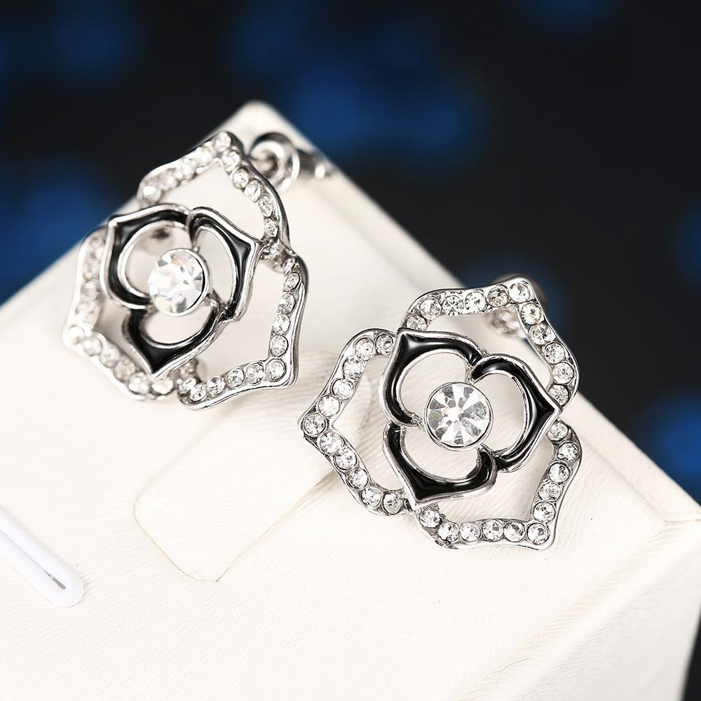 Vienna Jewelry 18K White Gold Hollow Floral Earrings Made with Swarovksi Elements