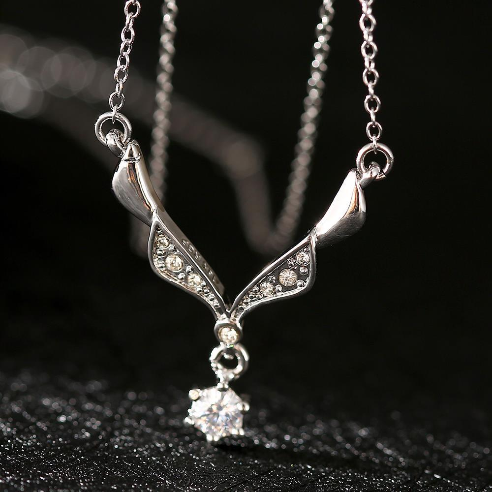 Vienna Jewelry White Gold Plated Spiral Crystal Snowflake Necklace