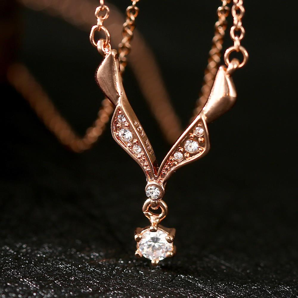 Vienna Jewelry Rose Gold Plated Spiral Crystal Snowflake Necklace