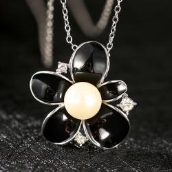 Vienna Jewelry White Gold Plated Onyx Pearl Floral Necklace - Thumbnail 0