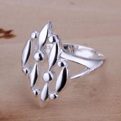 Vienna Jewelry Sterling Silver Trio-Leaf Branch Petite Ring Size: 8 - Thumbnail 0