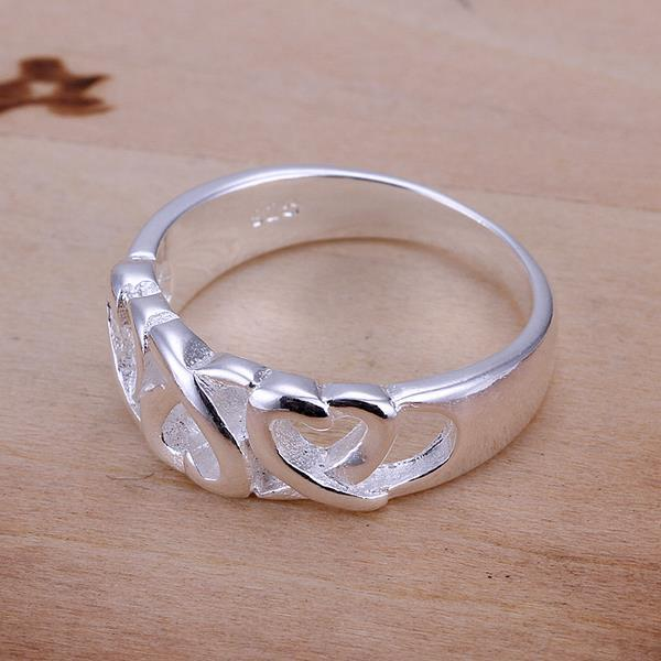 Vienna Jewelry Sterling Silver Interlocking Heart Design Petite Ring Size: 7