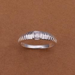 Vienna Jewelry Sterling Silver Laser Cut Lining Petite Ring Size: 8 - Thumbnail 0