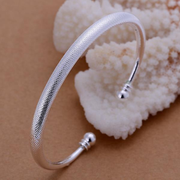 Vienna Jewelry Sterling Silver Classic Petite Open Clasp Bangle