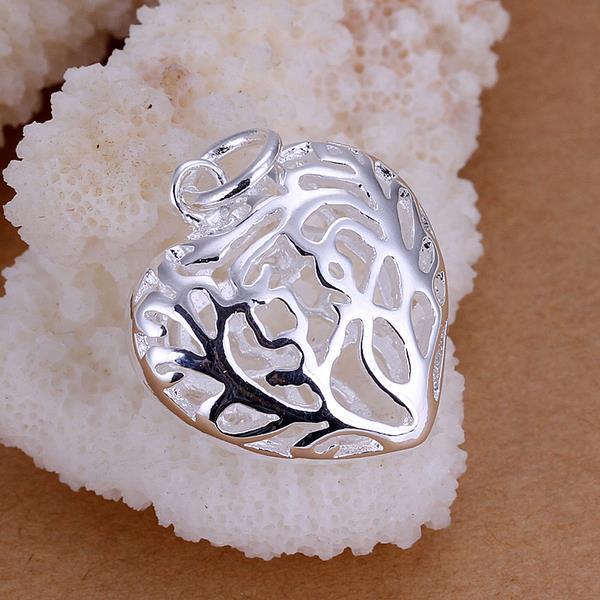 Vienna Jewelry Sterling Silver Laser Cut Heart Shaped Pendant