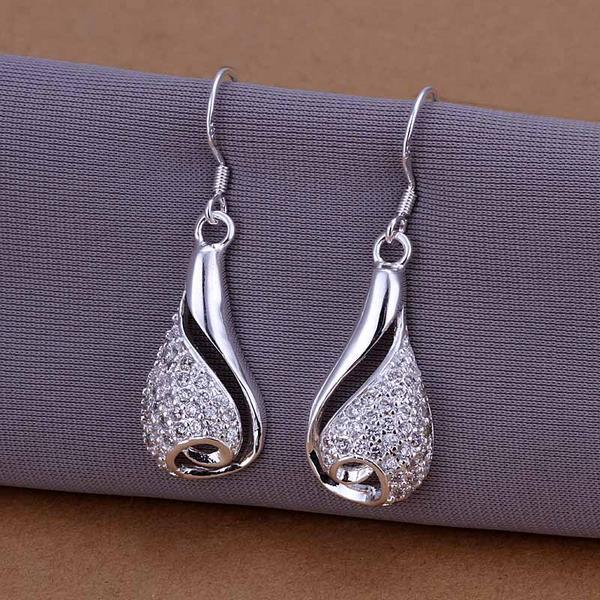 Vienna Jewelry Sterling Silver Oval Shape Covered with Crystals Earring