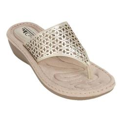 Women's Cliffs by White Mountain Caviar Thong Wedge Sandal Platino Metallic Smooth Synthetic