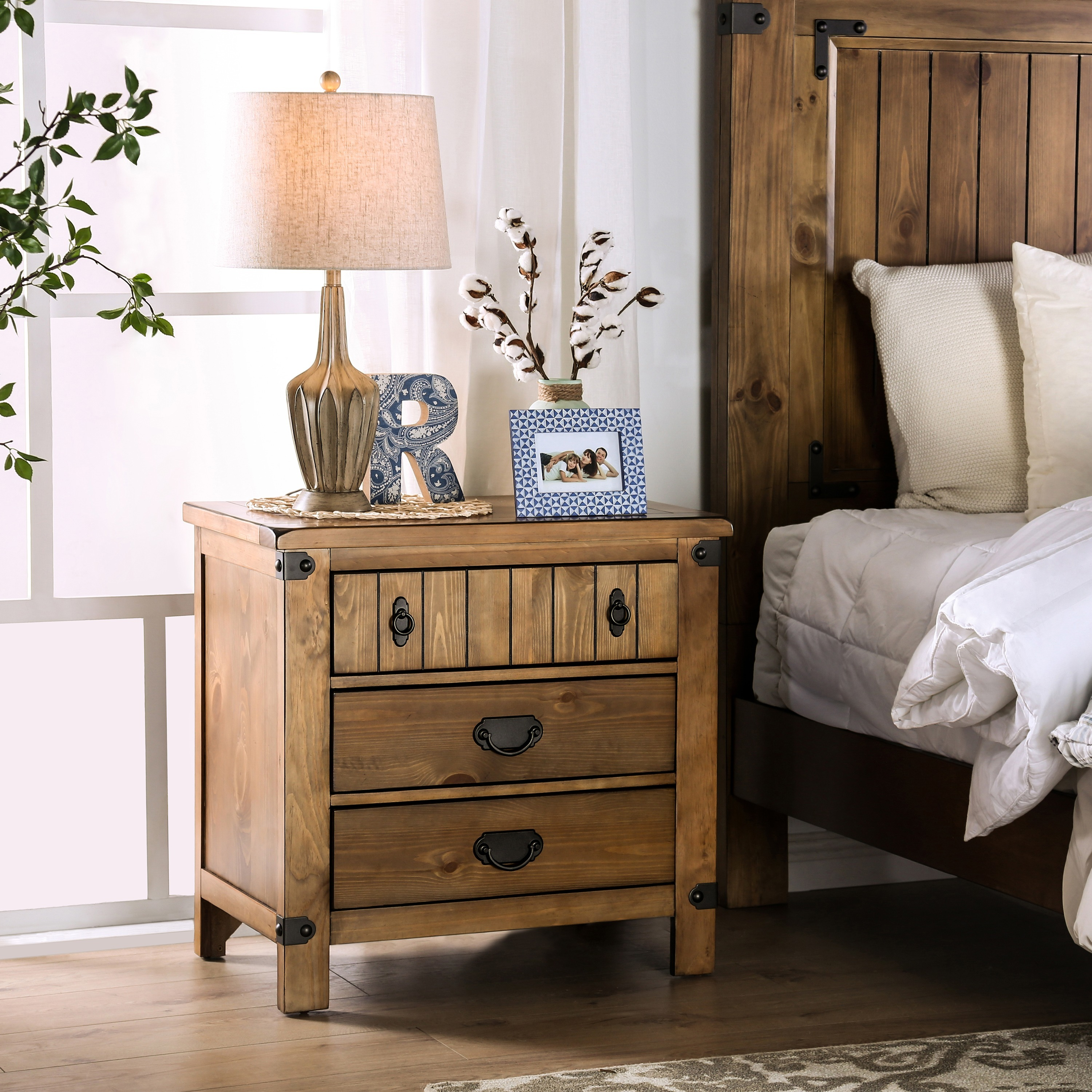 Furniture Of America Sierren Country Style 3 Drawer Nightstand With Built In Usb Outlet