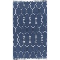 Hand-Woven Terrell Lattice Pattern Indoor/Outdoor Area Rug - 5' x 8'