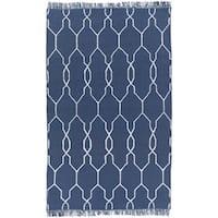 Hand-Woven Terrell Lattice Pattern Indoor/Outdoor Area Rug (3'6 x 5'6)