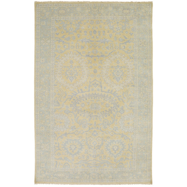 Hand-Knotted Weymouth Floral Wool Area Rug - 8' x 11'