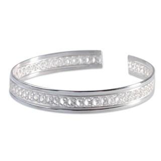 Handmade Sterling Silver 'Filigree Illusion' Bracelet (Peru)