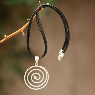 Handmade Sterling Silver Leather 'Andean Whirlwind' Necklace (Peru)