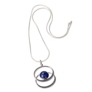 Handmade Sterling Silver 'Cuddle Me Blue' Lapis Lazuli Necklace (Peru)
